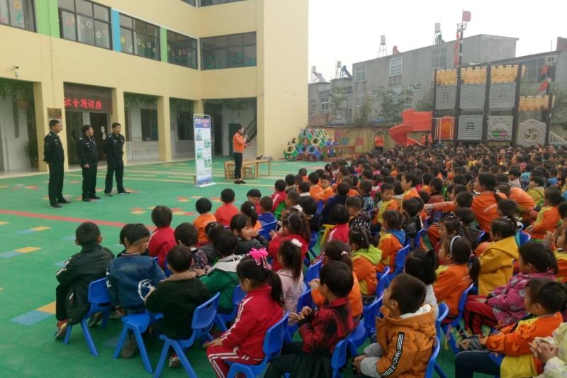 灵璧县黄湾派出所开展禁毒宣传进校园活动
