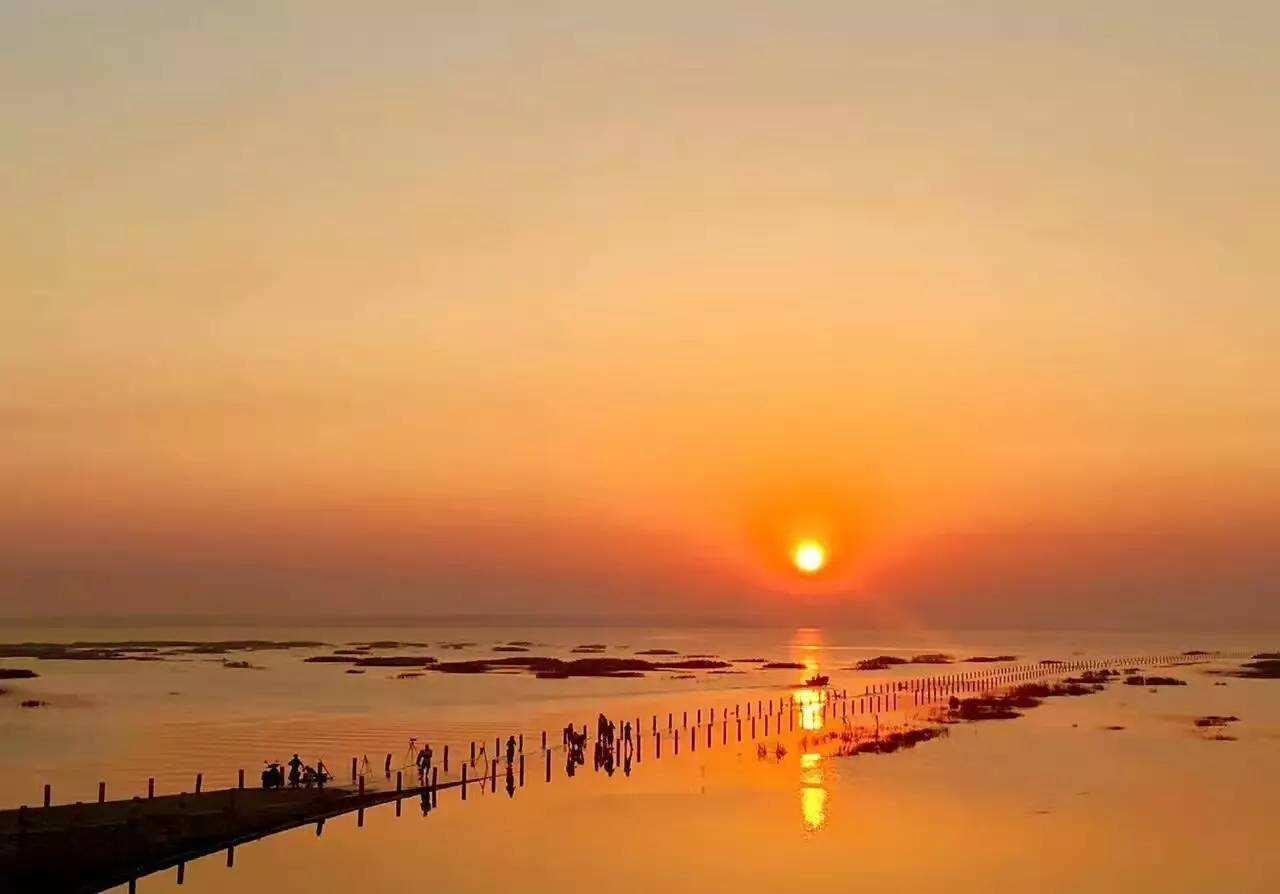 鄱阳湖藏着中国最美的水上公路,一头连着小九寨沟,一