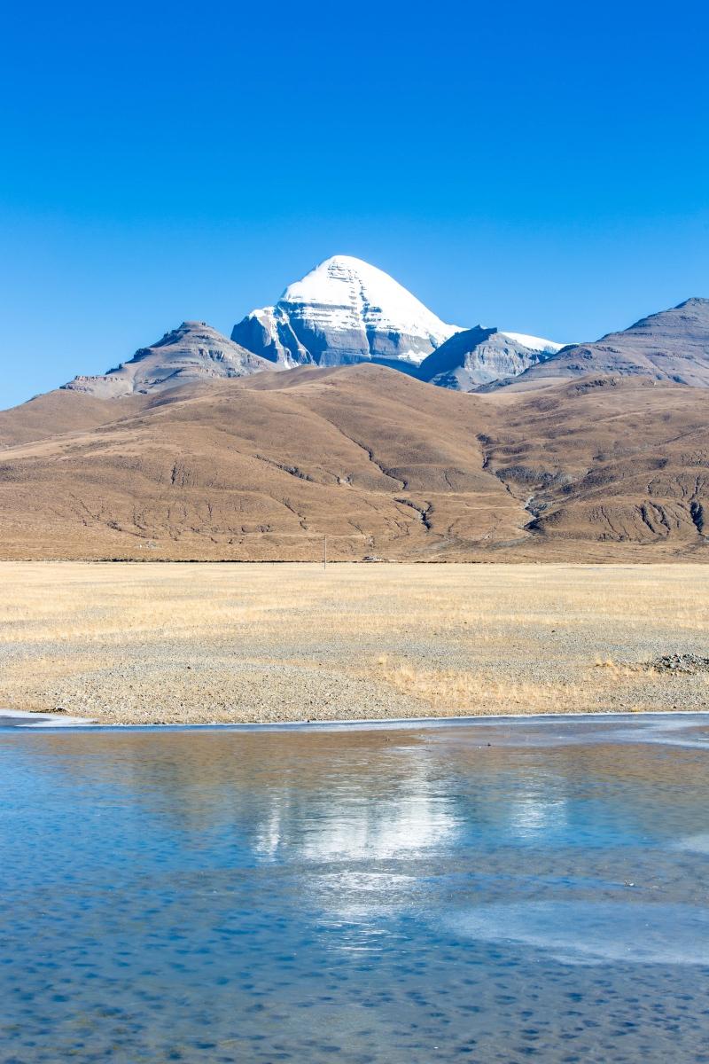 世界各地探险家攀登珠峰,不惜付出生命,为何无人敢登冈仁波齐