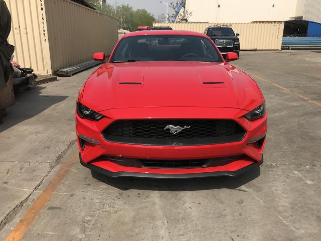 野马原名:Mustang,它曾一度打动了千万人的心,野马的诞生标志着美国仅存的大马力轿车获得了重生 - 这一次的推出比任何一次都要隆重。2018款福特野马2.3T简洁而现代的风格,是美国历史上大马力轿车的骄子。2018款福特野马它的设计植根于对历史传统不折不扣的传承,因而才诞生了偶像级的、更具时代感的野马。购车咨询热线:17702278911 薛经理 同微信 (可售全国 随时看车 当日提车 详情电询)  野马 18款 2.