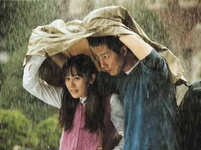 这部必看爱情片,让李健深情献唱:你只有1次机会,跟对的人过完