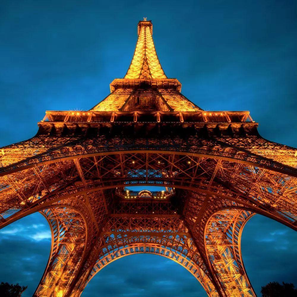 埃菲尔铁塔生锈了,翻新要花3亿欧元。世界地标们的维护有多难?