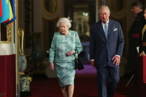 英国女王表态:希望长子查尔斯王子能继位