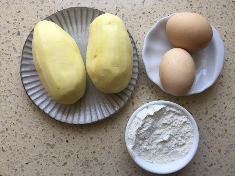 这么做土豆上桌瞬间被抢光---土豆丝饼_马铃薯 美食美客 第5张