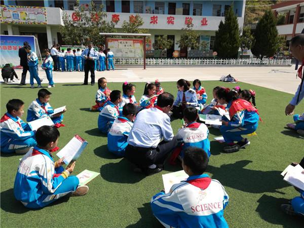 城固县国地两税联手将税法送进校园