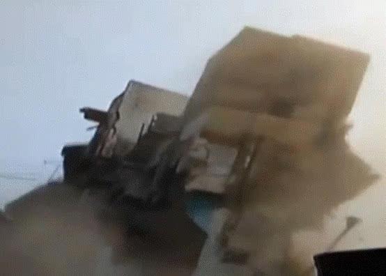 印度千只老鼠啃咬地基 致一3层公寓6秒内倒塌