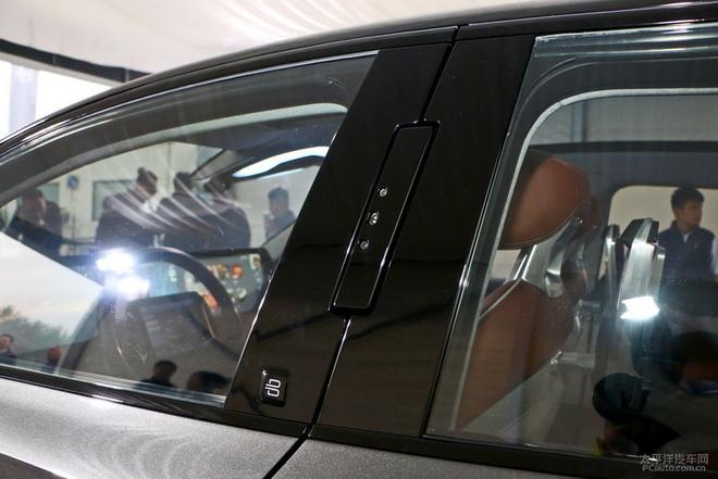 聊点靠谱的 体验BYTON拜腾首款概念SUV