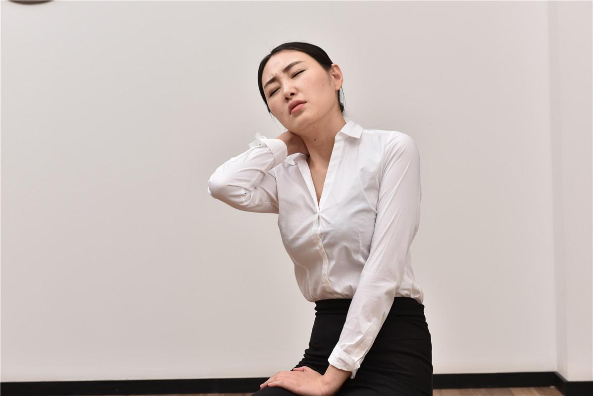 艾灸治疗肩周炎三周即可。