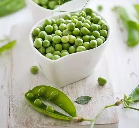 7月 就能吃的豌豆,这样吃才能补铁,长个,防便秘,但这2