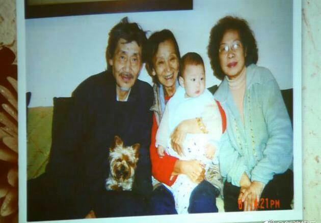 她是琼瑶的闺蜜曾二女侍一夫45年 死后财产给丈夫跟原配