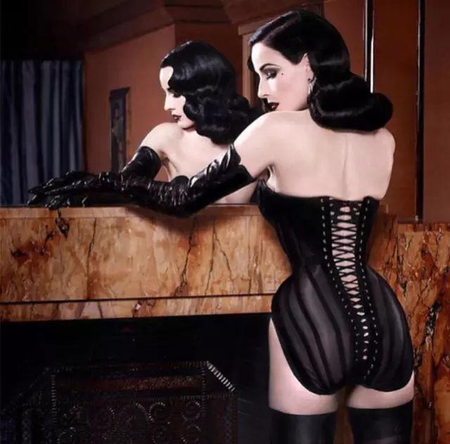 蒂塔·万提斯 一个从色情脱衣舞娘到身价20000W名媛的女人