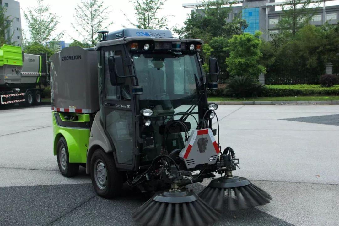 独家专访   何弢:全球首台商业落地的无人驾驶扫地车背后的故事