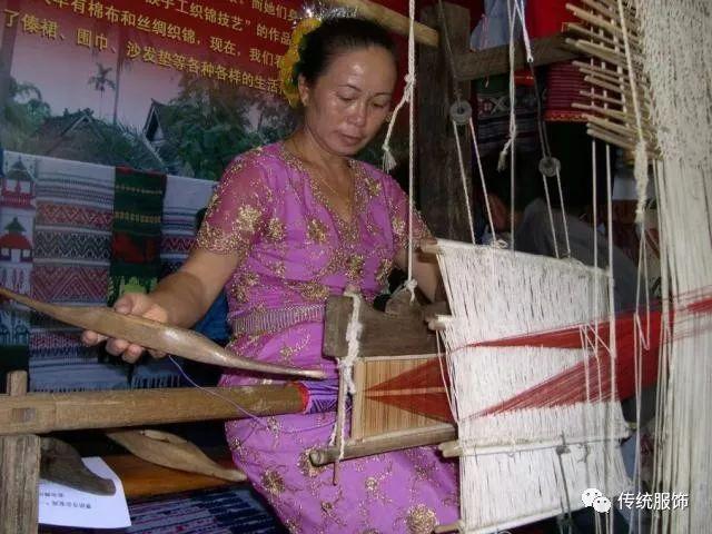 傣族女人体艺术_技术如何与艺术交融?古人的回答是,丝绸服饰!