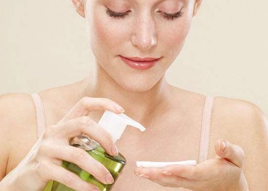 卸妆水的正确应用办法,你用对了吗?