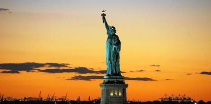 美国那一年经济总量世界第一_美国世界地图