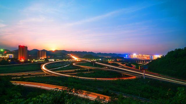 百强县gdp_财经24小时百强县人均GDP10.6万元上半年IPO审核过会率53.7%