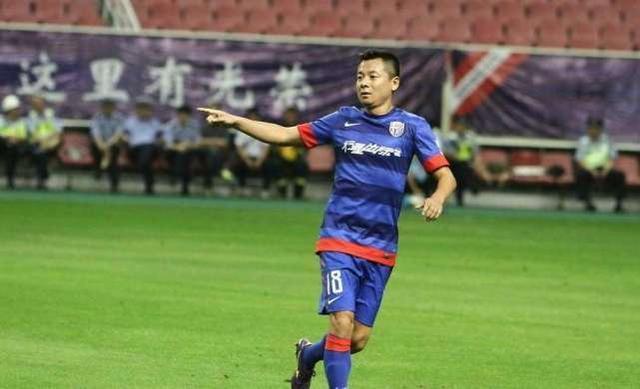 活久见!老总登场踢足协杯比赛 中国足球花钱怎么玩都行?