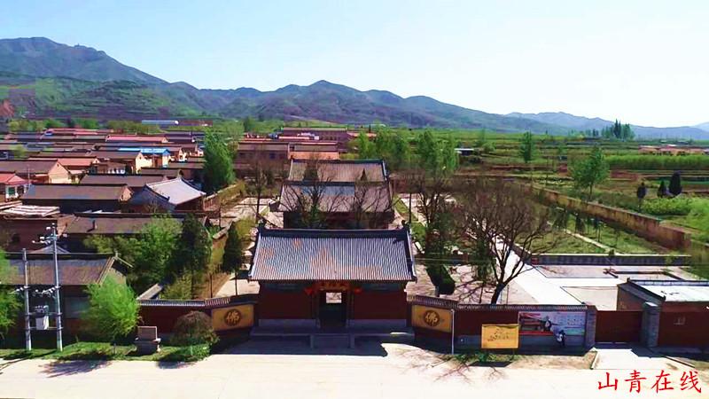 旅游 正文  绛县太阴寺中供奉着全国最大的木雕卧佛,为金代原物,世间