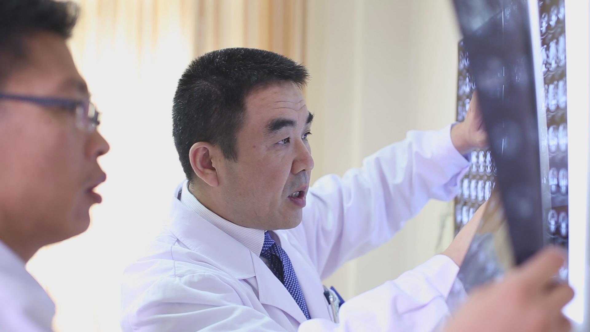 寻找救命恩人 | 2008—2018,结肠癌晚期患者的十年抗癌路