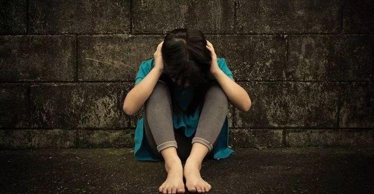 妈妈的嫩屄_母亲把女儿逼成精神病:父母的虚荣心,才是孩子的第一杀手