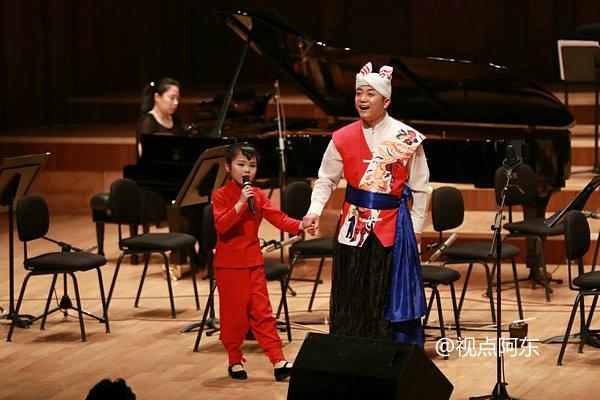 陕北歌王周淋举办毕业音乐会  携小女儿献唱《九儿》惊艳全场 - 视点阿东 - 视点阿东