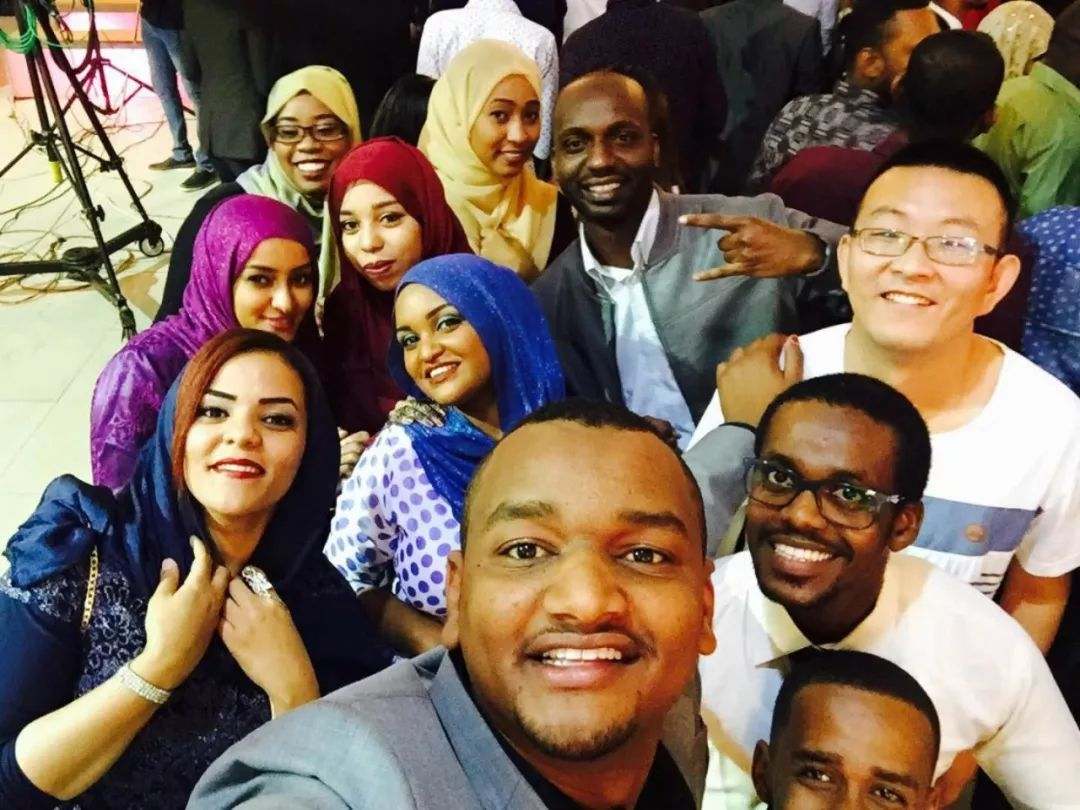 我和同事的那些艳事_我和苏丹同事