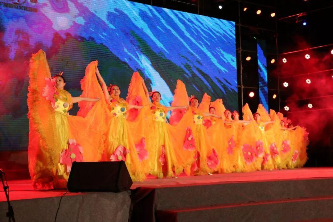 开场舞《共圆中国梦》