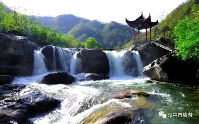 壁纸 风景 旅游 瀑布 山水 桌面 640_399