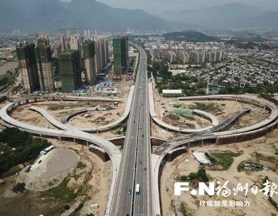 橘园洲大桥_下月,橘园洲大桥西桥头互通立交将竣工,全长约7公里的乌龙江大道(上街