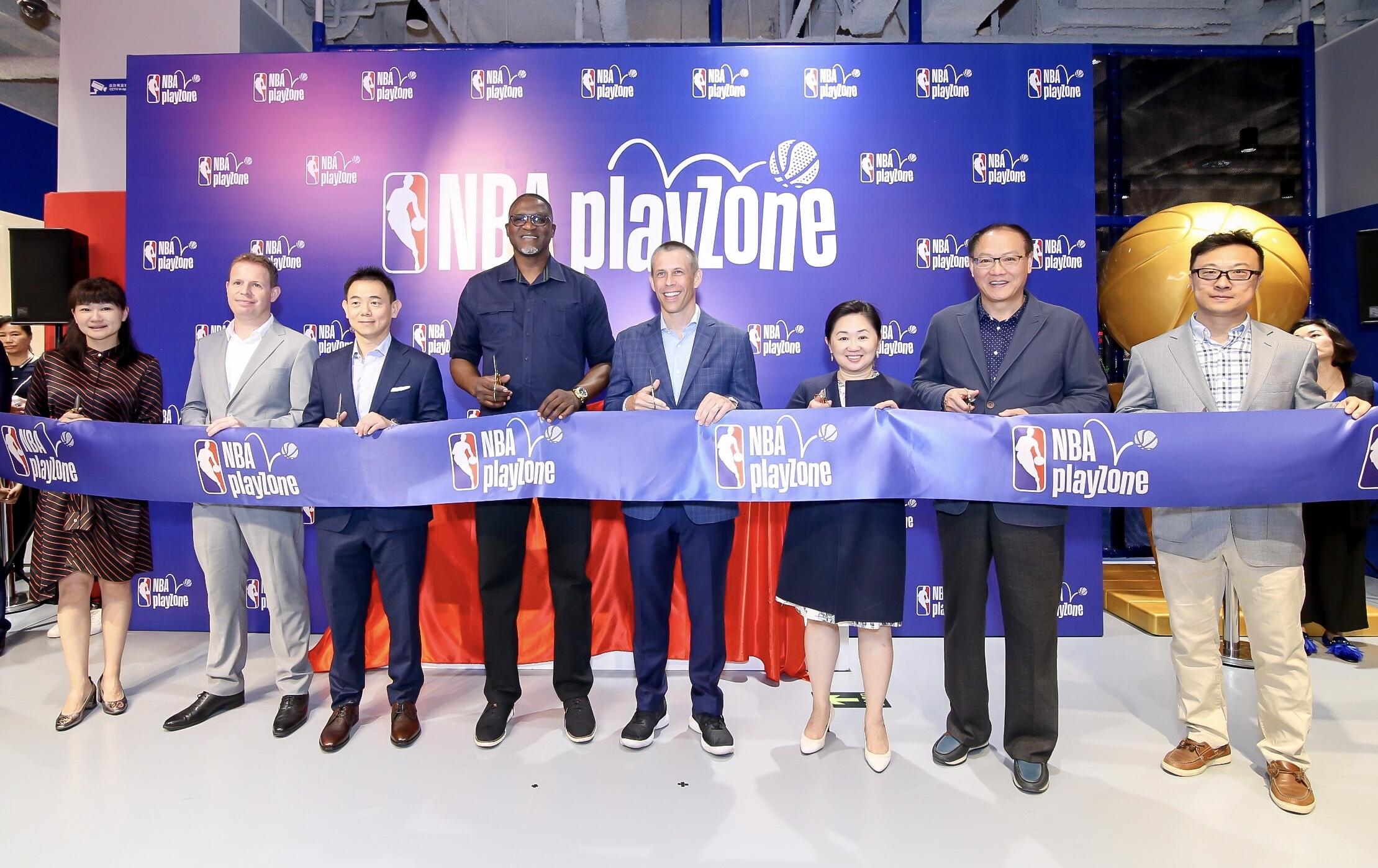 NBA乐园北京开幕式 NBA传奇巨星威尔金斯出席