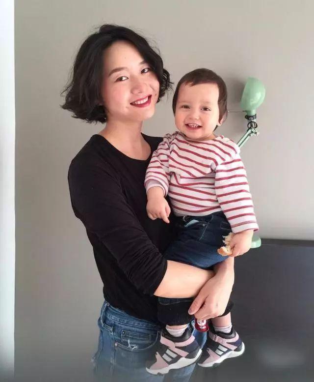 李湘女儿被喷全身名牌,赵薇女儿被嘲土气,女明星的审美实力坑娃
