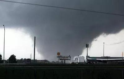 美国南部龙卷风_美国南部数州遭龙卷风袭击