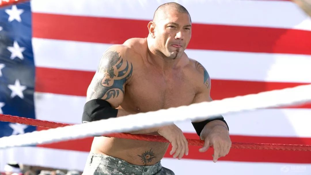 九年摔角生涯未有建树,《超级皇家大战》经典一摔却迅速走红!摔弟带你了解不一般的奥尼