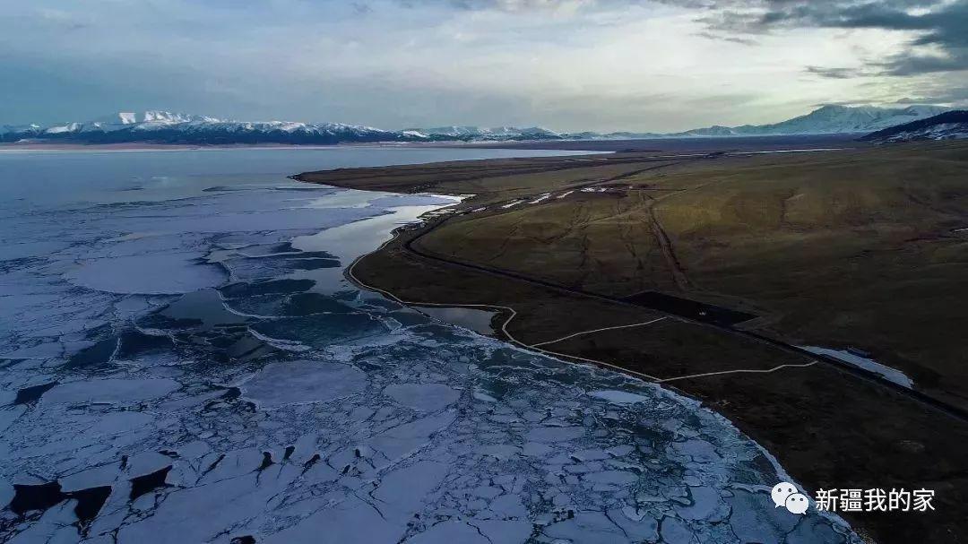 """赛里木湖现罕见""""冰海啸""""奇观,太壮观了!惊动新华社!"""
