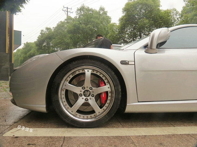 看轮毂这车不一般车标是豹标外形像柯尼塞格卖98万没人敢要_北京