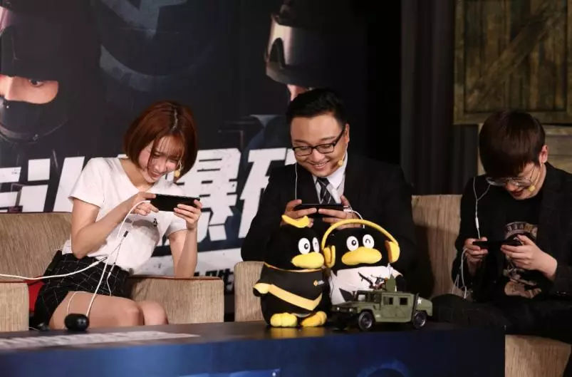 综皇包子加入陈赫天才阵营亲切互动现场气氛融洽