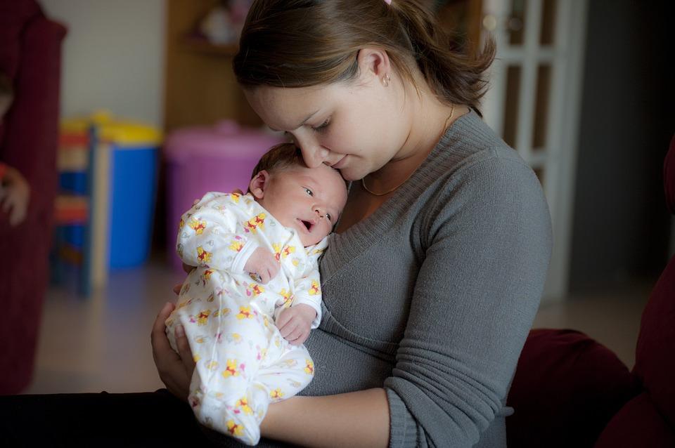 为什么要做产后42天检查?妈妈和宝宝各查哪些项目