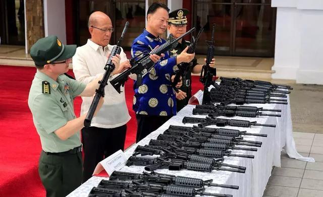 军事 正文  【军武次位面】              军事武器交易几百年以来都
