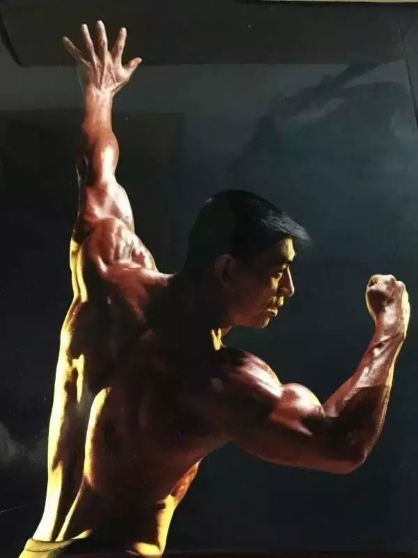 v目标36载,20年培养100多健身健美目标,王严的冠军远不我们六零后是哪套广播体操图片