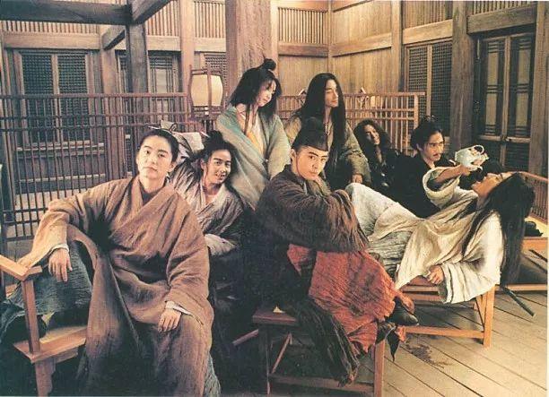 张国荣能一口说出来的圈内好友是梅艳芳,钟楚红和林青霞.