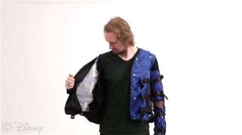迪士尼研发智能夹克,通过物理反馈可模拟真实的触感