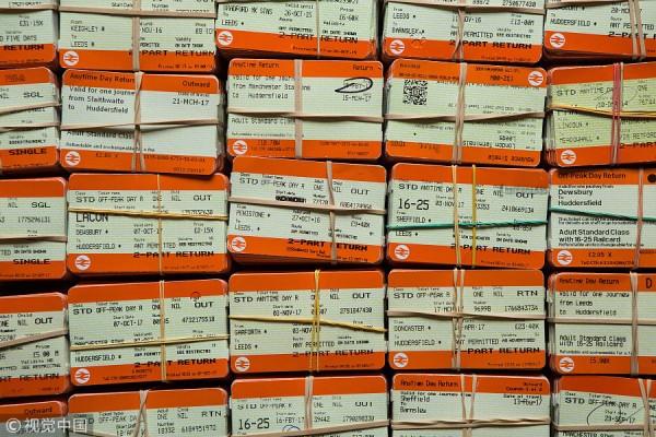 英国19岁的詹姆斯收藏 8.7 万张火车票