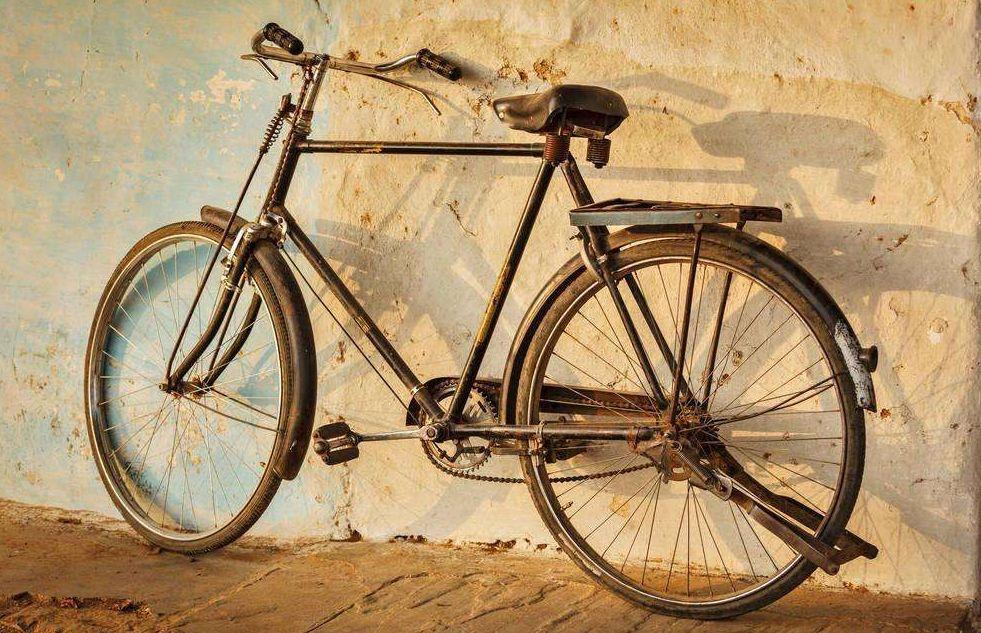 一张老报纸值一万,一辆老自行车换半套房!原来这些老图片