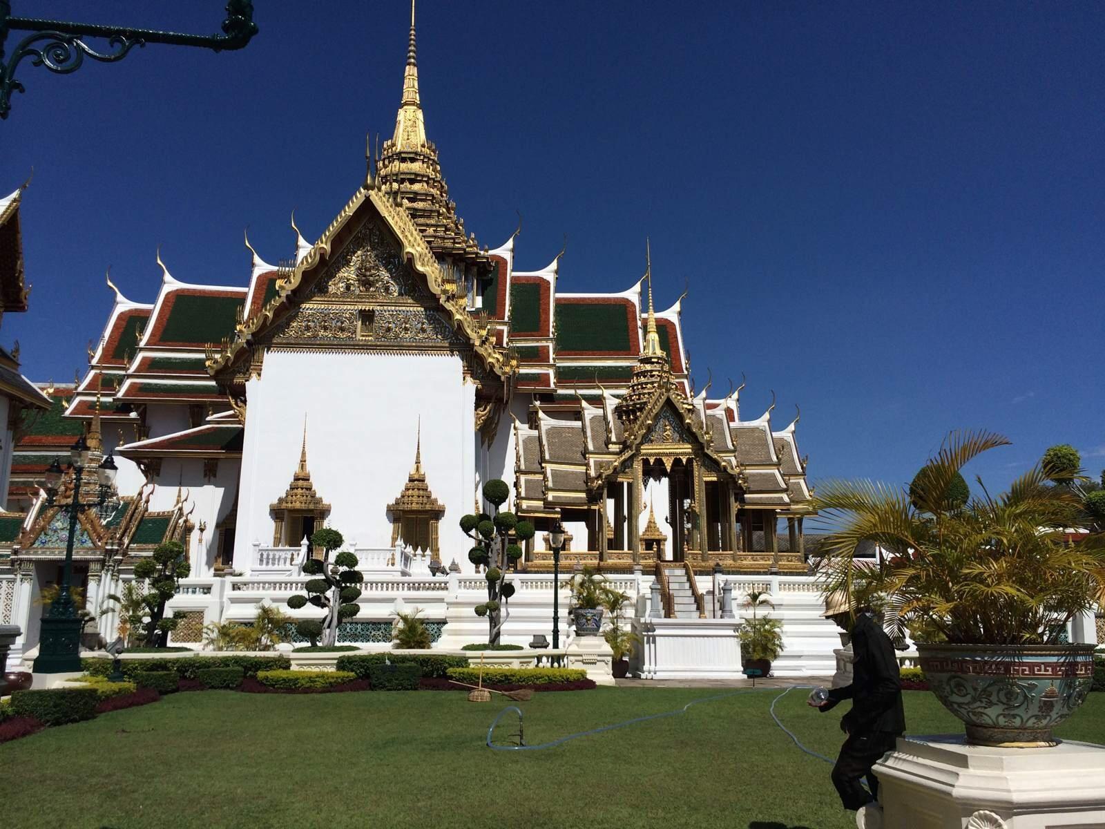 去泰国旅游,你可以租妻,但千万别做这些事!不穿内裤出门也违法?