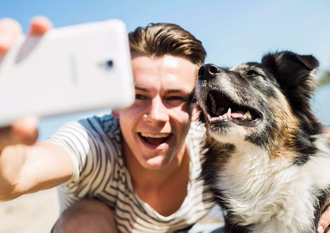 型男拍照技巧-与宠物合影
