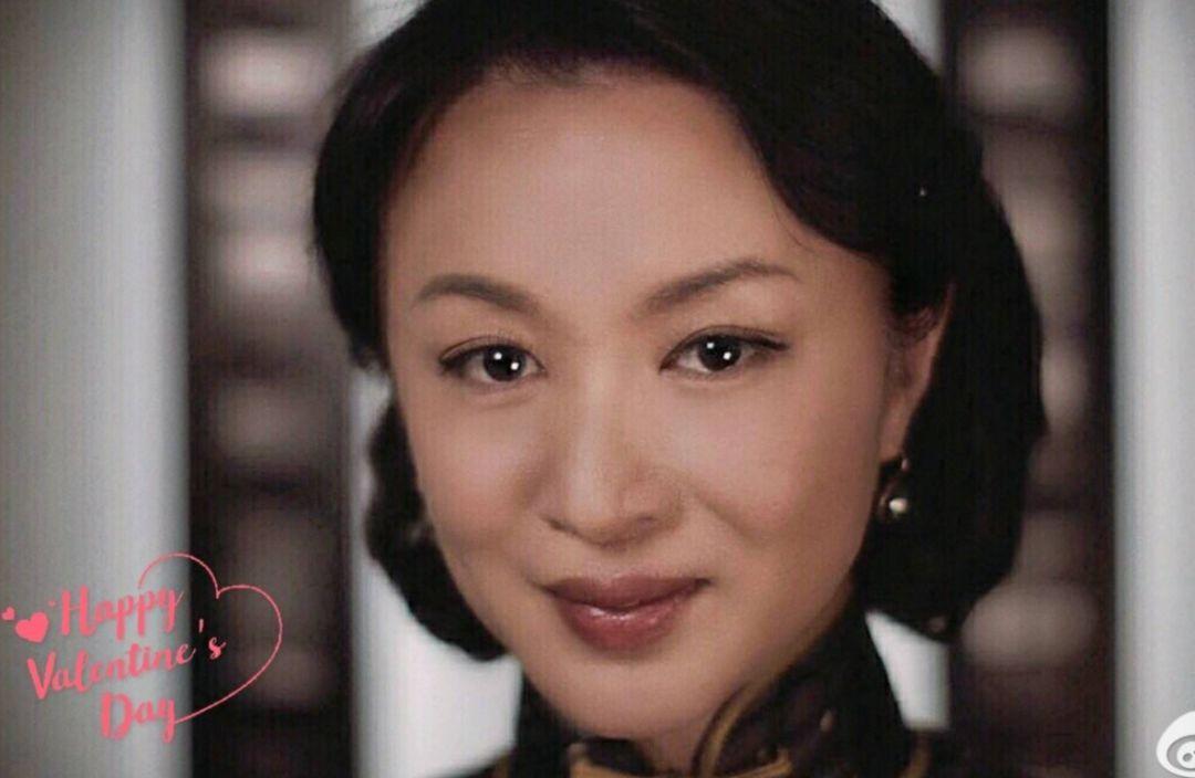 家暴老公10年婚姻破裂,韩国变性女星现在整成了娜扎!