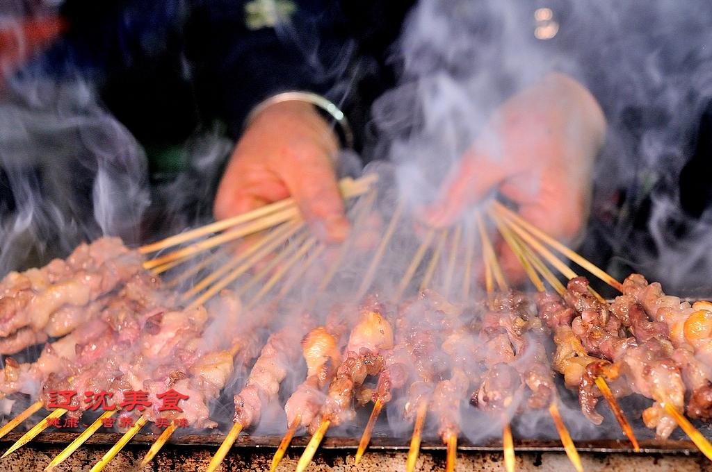 电烤炉的危害_烧烤店发展方向是无烟烧烤,烧烤设备市场一片光明