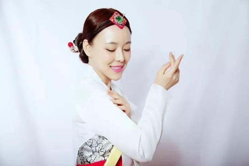 林贞儿,朝鲜族,中国大陆实力派女歌手,音乐剧演员,多次受邀参加cctv图片