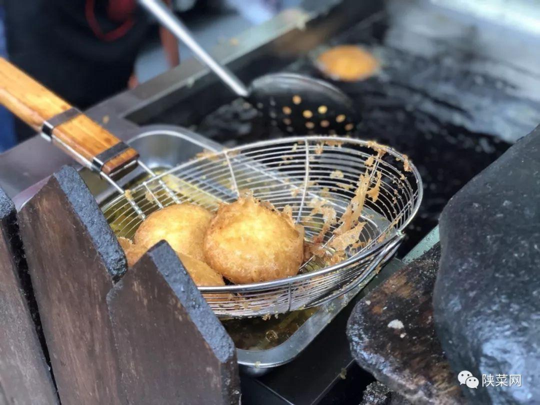 世界三大菜系有哪些,中国是世界公认美食第一,还有哪两个?