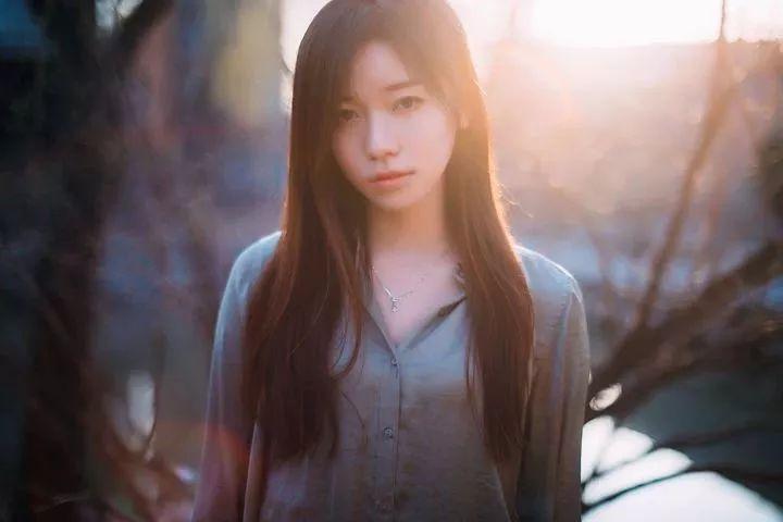 背光怎么拍?如何拍摄美丽的逆光人像照?